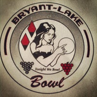 Foto scattata a Bryant-Lake Bowl & Theater da Pj D. il 7/24/2012