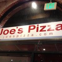 Foto diambil di Joe's Pizza oleh MrJOliphant pada 8/31/2012