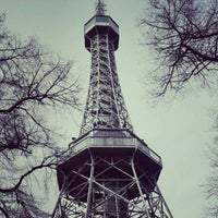 4/10/2012 tarihinde shota r.ziyaretçi tarafından Petřínská rozhledna | Petřín Lookout Tower'de çekilen fotoğraf