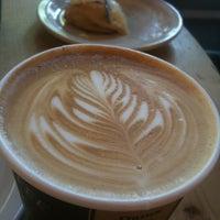 Снимок сделан в Sisters Coffee Company пользователем Michael P. 7/5/2012