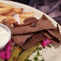 5/6/2012 tarihinde Banyu A.ziyaretçi tarafından Afrah Mediterranean Restaurant & Pastries'de çekilen fotoğraf