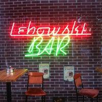 รูปภาพถ่ายที่ Lebowski Bar โดย Eric H. เมื่อ 6/21/2012