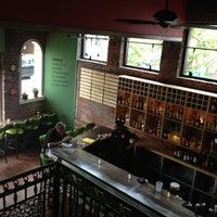 Foto tomada en Moxy American Tapas Restaurant por Walter E. el 7/28/2012