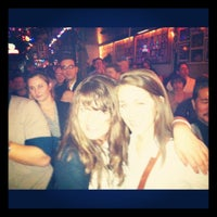 Foto diambil di B.L.U.E.S. oleh Lauren S. pada 12/31/2011