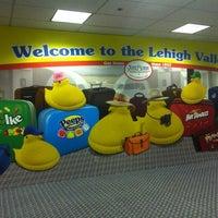Foto tomada en Lehigh Valley International Airport (ABE) por Dave G. el 3/31/2012