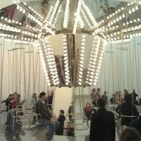 Foto scattata a New Museum da Dan C. il 11/20/2011