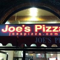 Foto diambil di Joe's Pizza oleh Gabriel pada 8/13/2012
