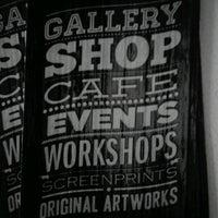 8/31/2012에 Fátima I.님이 Miscelanea Gallery-Shop-Café에서 찍은 사진