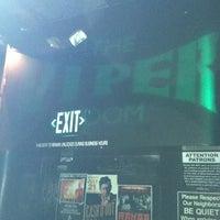 Foto tomada en The Viper Room por Dayle G. el 5/29/2012