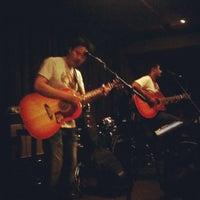 Foto scattata a Wala Wala Cafe Bar da Hakim A. il 10/16/2011