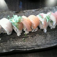 Photo prise au Rock & Roll Japanese Cuisine par Irene L. le9/9/2012