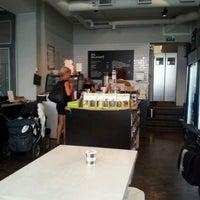9/18/2011 tarihinde Henk M.ziyaretçi tarafından SIS. Deli + Café'de çekilen fotoğraf