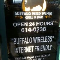 Foto tomada en Buffalo Wild Wings por Jerry S. el 6/24/2011