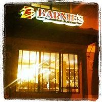 Foto scattata a Barnie's Coffee & Tea Co. da Drew A. il 12/1/2011