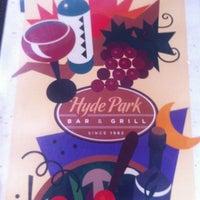 Das Foto wurde bei Hyde Park Bar & Grill von Allan S. am 3/1/2012 aufgenommen