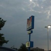 Das Foto wurde bei Whataburger von Patrick B. C. am 7/9/2012 aufgenommen