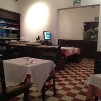 Снимок сделан в Café La Gloria пользователем Bertha M. 3/9/2012