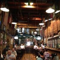 Foto tirada no(a) The Cannon Brew Pub por Brad S. em 4/26/2012