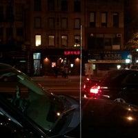 Foto scattata a Katra Lounge da Kevin C. il 4/14/2012