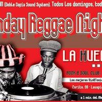 Das Foto wurde bei LA HUELGA en Lavapiés von La Huelga L. am 1/15/2012 aufgenommen