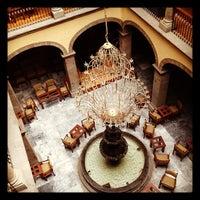 Foto tirada no(a) Hotel Francés por Zazil C. em 6/20/2012
