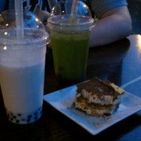 Снимок сделан в Tea Leaf Cafe пользователем Kristen S. 5/26/2011