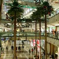 Foto diambil di Pondok Indah Mall oleh Thoro A. pada 8/17/2012