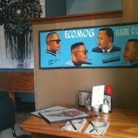 Photo prise au Vita Cafe par Todd R. le7/2/2012