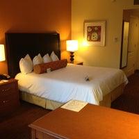 Foto diambil di Hilton Garden Inn oleh Michelle C. pada 5/18/2012