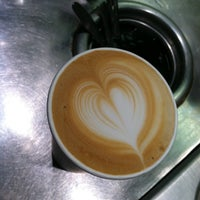 Foto tirada no(a) New Wave Coffee por iSapien 1. em 5/2/2012