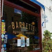 Foto tirada no(a) Barbette por Stacey P. em 7/13/2012