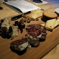 2/26/2012 tarihinde TheDLziyaretçi tarafından Wine Lab'de çekilen fotoğraf
