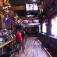 6/3/2012 tarihinde Jim B.ziyaretçi tarafından JR's Bar & Grill'de çekilen fotoğraf