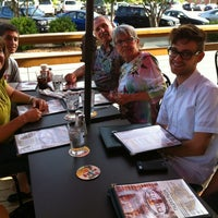 Photo prise au Tyler's Restaurant & Taproom par Nick H. le6/16/2012