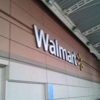Foto tomada en Walmart por Han M. el 4/28/2012