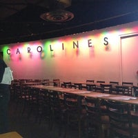 Foto tirada no(a) Carolines on Broadway por Justin em 3/5/2012