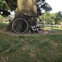Foto tomada en McCarren Park por Ray S. el 8/7/2012