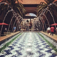 Foto tirada no(a) Irvine Spectrum Center por Lindsey G. em 6/21/2012