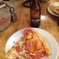 8/25/2012에 Carlos Yotan님이 Pizzabrosa에서 찍은 사진