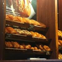 Photo prise au Panera Bread par John F. le4/22/2012