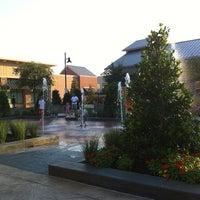 รูปภาพถ่ายที่ Cantina Laredo โดย Dhara G. เมื่อ 6/9/2012