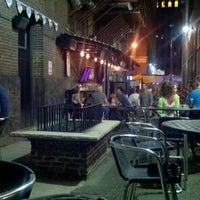 6/16/2012にStephanie M.がBrothers Bar & Grill MPLSで撮った写真
