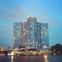 6/20/2012 tarihinde Aumza I.ziyaretçi tarafından Royal Orchid Sheraton Hotel & Towers'de çekilen fotoğraf