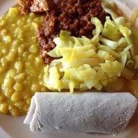 Foto scattata a Queen Sheba Ethopian Restaurant da Lindsay N. il 2/17/2012