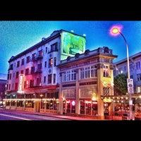 Das Foto wurde bei Henry's 12th Street Tavern von Gregg J. am 5/12/2012 aufgenommen