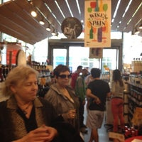 Foto scattata a Whole Foods Wine Store da Lisa W. il 4/14/2012