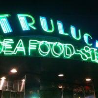 รูปภาพถ่ายที่ Truluck's โดย Sara R. เมื่อ 3/24/2012