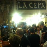 Снимок сделан в La Cepa пользователем Rameen M. 7/6/2012
