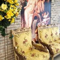รูปภาพถ่ายที่ Гранд Отель Белорусская โดย Anya S. เมื่อ 8/12/2012