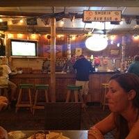 8/11/2012 tarihinde Justin R.ziyaretçi tarafından Smokin' Tuna Saloon'de çekilen fotoğraf